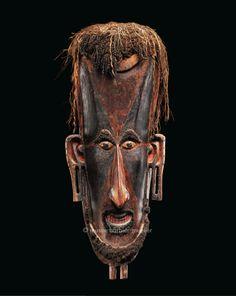 Grand masque en bois, Mélanésie, Papouasie-Nouvelle-Guinée , détroit de Torres, île Saibai | Arts de Nouvelle-Guinée - Les Musées Barbier-Mueller