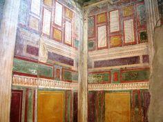 Second-style painting in the Villa Ariadne, Stabiae, Villa Romaine, Pompeii And Herculaneum, Genius Loci, Art Antique, Roman Architecture, Chiaroscuro, Ancient Rome, Ancient Greece, Mural Painting