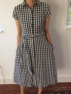 This is a inspired gingham shirt dress complete with buttons down the front, hidden side pockets and a gingham sash. It is a classic - not to be missed. Floral Print Shirt, Paisley Print, White Plaid, Black And White, Japanese Couple, Bardot Dress, Gingham Shirt, Zara Black, Diane Von Furstenberg