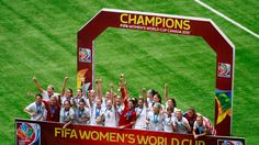 Hope Solo #1 and the United States celebrates after winning the FIFA Women's World Cup Canada 2015