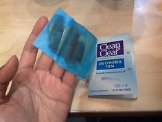 Clean & Clear Oil-Blotting Sheets
