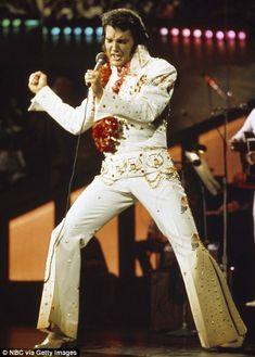 "Elvis Presley during a promotional interview at the Las Vegas Hilton in Las Vegas, Nevada on September 1972 for his televised concert ""Elvis: Aloha from Hawaii"" -- Get premium, high resolution news photos at Getty Images Elvis Presley Hawaii, Elvis Aloha From Hawaii, Aloha Hawaii, Honolulu Hawaii, Mississippi, Films Western, Elvis Memorabilia, Elvis Presley Pictures, Las Vegas"