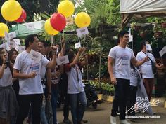 """This is the handsome John Lloyd Cruz and the handsome Piolo Pascual smiling for the camera while marching with university students at Quezon Memorial Circle during the taping of the 2016 ABS-CBN Summer Station ID and Halalan 2016 Station ID, """"Ipanalo ang Pamilyang Pilipino!"""" Indeed, John Lloyd and Piolo are another of my favourite Kapamilyas, and they're amazing Star Magic talents. #JohnLloydCruz #PioloPascual #Halalan2016 #IpanaloangPamilyangPilipino Half Filipino, Born Again Christian, Star Magic, Abs, Comedians, University, Students, Teen, Singer"""