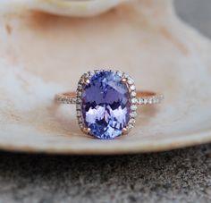 Tansanit-Ring. Rose Gold Verlobungsring Lavendel lila Tansanit Ovalschliff Schnitt Halo Engagement ring 14 k rose Gold. von EidelPrecious auf Etsy https://www.etsy.com/de/listing/236521618/tansanit-ring-rose-gold-verlobungsring