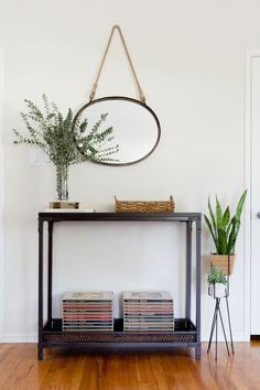 Like Leah, Megan loves plants, so the two of them brought in plenty of green to the space.