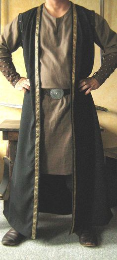 #Celtic #Coat #Jacket #King #Lord #Medieval #Sleeveless #Vest     Coats Pagan Wicca Witch:  Medieval Celtic Lord King Sleeveless Coat, by MorganasCollection. Medieval Costume, Medieval Dress, Medieval Fashion, Medieval Clothing, Celtic Costume, Ärmelloser Mantel, Mens Garb, Kleidung Design, Sleeveless Coat