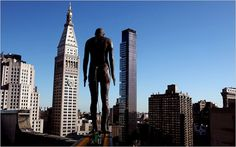 Anthony Gormley places 31 statues of himself around the New York skyline