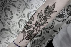 brunoalmeida.art@gmail.com #linework  #darkartists #btattooing #onlyblacktattoos #blxckink #tattrx #blackworkerssubimission #blackwork #linework #tattoo #bw #dw #blackartists #tattoos #blacktattoomag #ttt #blxckwork #blackart #darkwork #campinas #sp #campinastattoo #geometry #geometric #tatuagem #botanical #botanica #botanicatattoo #flower #nature #naturetattoo