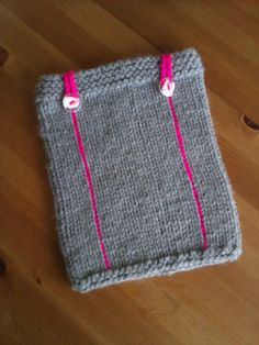 Knitted iPad cover button, grey with buttons