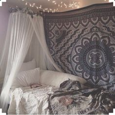 Decorations are a must when having to live in a boring dorm room for the whole school year. Having decorations makes the whole experience a bit more exciting and makes your room more inviting and comfy. Here are 5 trendy decoration ideas that will make any dorm room a place you actually want to be in! […]