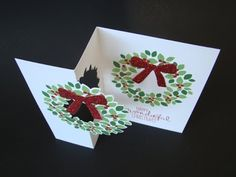 Qbee's Quest: Wondrous Wreath Flip Card Tutorial based on orginal by Zoe Tant Christmas Paper Crafts, Christmas Cards To Make, Xmas Cards, Holiday Cards, Flip Cards, Fun Fold Cards, Pop Up Cards, Wondrous Wreath, Swing Card