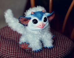 Awwww <3 no da más de chulo    My Little Dragon: Blue Wyvern by ~Santani on deviantART
