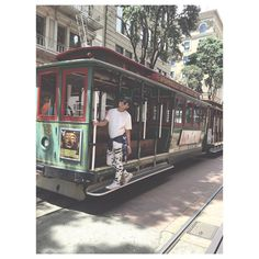 Riding the World Famous Cable Car  by joshesme