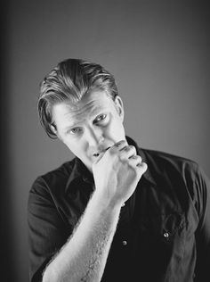 josh homme from queens of the stone age is one hot ginger