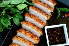 Can you believe it's been 4 months since my last food post? :( What better way to say I'm sorry than to share with you my favorite and super easyrecipe for crackling skin pork belly?! …
