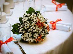 Il matrimonio di Luca e Giulia a Trezzo sull'Adda, Milano Spring Wedding Bouquets, Flower Bouquet Wedding, Summer Wedding Colors, Autumn Wedding, Simple Weddings, Wedding Simple, Table Decorations, Bride, Simple Wedding Updo
