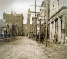 Looking North Up Bay Street Toronto 1912 Toronto City, Toronto Canada, Toronto Travel, Toronto Pictures, Old Pictures, Ontario, Canadian Things, Historical Architecture, Historical Pictures