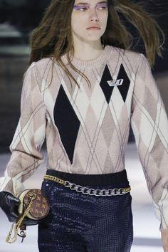 Louis Vuitton #VogueRussia #readytowear #rtw #fallwinter2018 #LouisVuitton #VogueCollections