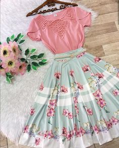 printed floral dress The right kinda dress for the right kinda body. Have you tried this pin out yet? Take a picture and share Modest Outfits, Skirt Outfits, Casual Dresses, Casual Outfits, Pretty Outfits, Pretty Dresses, Beautiful Dresses, Cool Outfits, Cute Fashion