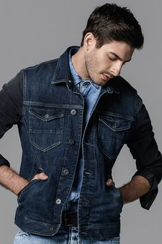 Do you want a denim on denim look? This denim jacket with two front flap pockets goes well with a denim shirt