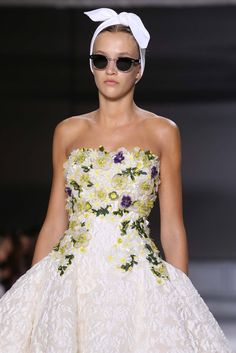 Giambattista Valli Fall 2014 Couture - Details - Gallery - Style.com
