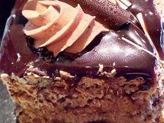 Εκπληκτική τούρτα μόκα.. Θα γλείφουν τα δάχτυλά τους! Greek Desserts, Greek Recipes, Cookbook Recipes, Dessert Recipes, Cooking Recipes, Death By Chocolate, Sweet Tooth, Food And Drink, Pudding