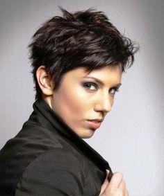 coupe boyish femme idée cheveux courts coiffure tendance saison