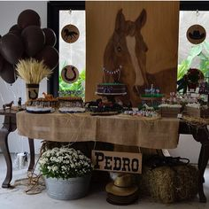 Pin by Alma Cabrera on Horse birthday party in 2019 Rodeo Party, Cowboy Party, Horse Theme Birthday Party, Rodeo Birthday, Horse Party, Pony Party, Fete Julie, Unicorn Diy, Cowboy Baby Shower
