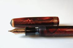 1937 Rare Parker Slender ROYAL CHALLENGER Fountain Pen in RED Herringbone Pearl - Excellent Condition!