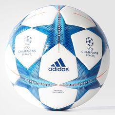 Deze bal wilde ik eerst op mijn hoofd doen maar dat wordt nu de gouden bal (zie pin).