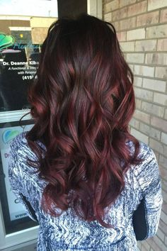 Are you going to balayage hair for the first time and know nothing about this technique? We've gathered everything you need to know about balayage, check! Ombre Hair Color, Hair Color Balayage, Hair Highlights, Brown Hair With Red Highlights, Burgundy Balayage, Ombre With Red, Red Foils Hair, Hair Colour, Burgundy Red Hair