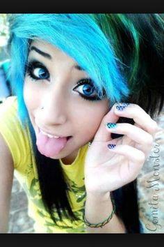 Love her hair!! I want blue in my hair soo bad. <3
