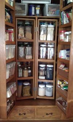 I 'heart' organizing.....Food Storage Style......