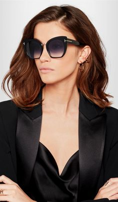 TOM FORD The brand's core values are reflected in the eyewear collection, which expresses exclusive luxury and glamour. Made with a painstaking attention to detail and high quality products, the sunglass and optical frames merge Types Of Sunglasses, Tom Ford Sunglasses, Sunglasses Online, Cat Eye Sunglasses, Sunglasses Sale, Versace Sunglasses, Sunnies, Ford Blazer, Estilo Fashion