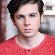 I think I'm in love He looks so different with short hair Chandler Riggs, Carl The Walking Dead, Walking Dead Series, Carl Grimes, Carl's Eye, Beth Greene, Friday Humor, Funny Friday, Grumpy Cat Humor