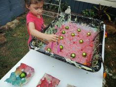 """Fine motor & sensory fun with Christmas slime and baubles from Mummy Musings and Mayhem("""",)"""