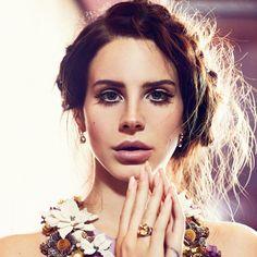 Lana Del Rey Beautiful Face