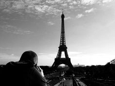 MaBabe photographing the Eiffel