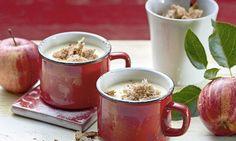 Apfel-Quark-Mousse mit Teekrümel - Rezepte - Schweizer Milch Mousse, Moscow Mule Mugs, Tableware, Desserts, Swiss Guard, Milk, Apple, Food Portions, Baking