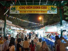 Night market in Duong Dong