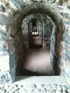 Suomenlinnan tunneleita