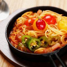 野菜たっぷり鉄板ナポリタンRESTAURANT hidamarino(レストランヒダマリーノ)