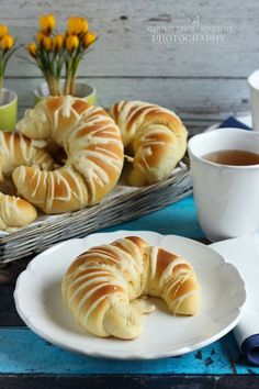 Hungarian Desserts, Hungarian Recipes, Croissant, No Salt Recipes, Cooking Recipes, Albanian Recipes, Bread Shaping, Snacks Dishes, Savarin