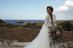 Romantic Wedding Flowers, Lace Wedding, Wedding Dresses, Burgundy Wedding, Italy Wedding, Fashion, Bride Dresses, Moda, Bridal Gowns