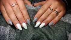 The advantage of the gel is that it allows you to enjoy your French manicure for a long time. There are four different ways to make a French manicure on gel nails. Nail Art Designs, Winter Nail Designs, Nails Design, Design Art, Nail Polish Trends, Nail Trends, French Nails, Spring Nails, Summer Nails