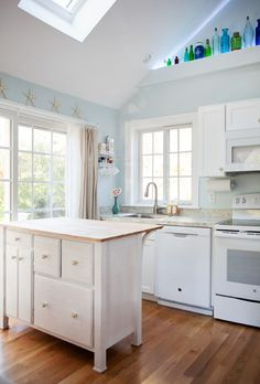 Cottage Kitchens: A Charming Collection - Town & Country Living