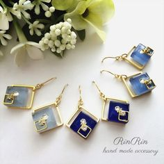 【BLUE◇SQUARE】ガラスタイル Resin Jewelry Tutorial, Resin Jewelry Making, Diy Resin Crafts, Jewelry Crafts, Handmade Accessories, Handmade Jewelry, Fashion Earrings, Fashion Jewelry, Bridal Earrings