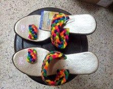 Sandalias wayuu Handmade Art, Flip Flops, Crafts, Shoes, Manualidades, Business, Sneakers, Sandals, Zapatos