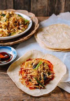 Moo Shu Chicken (with Homemade Mandarin Pancakes) Duck Recipes, Asian Recipes, Chicken Recipes, Ethnic Recipes, Asian Foods, Chinese Recipes, Chicken Menu, Turkey Recipes, Quesadillas