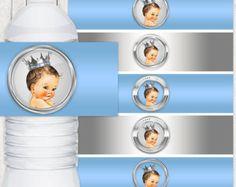 Etiquetas de botella de agua de príncipe azul y oro real rubia